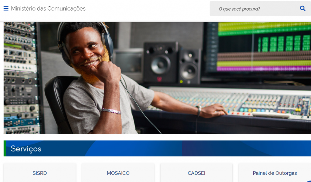 Brazil's Ministério das Comunicações (Ministry of Communications) has accepted a request from the Abert broadcasters' association to be able to reduce broadcasting power during peak viewing hours to reduce cost